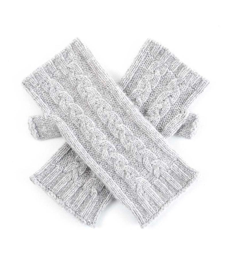 121fg Cable Knit Wristwarmer