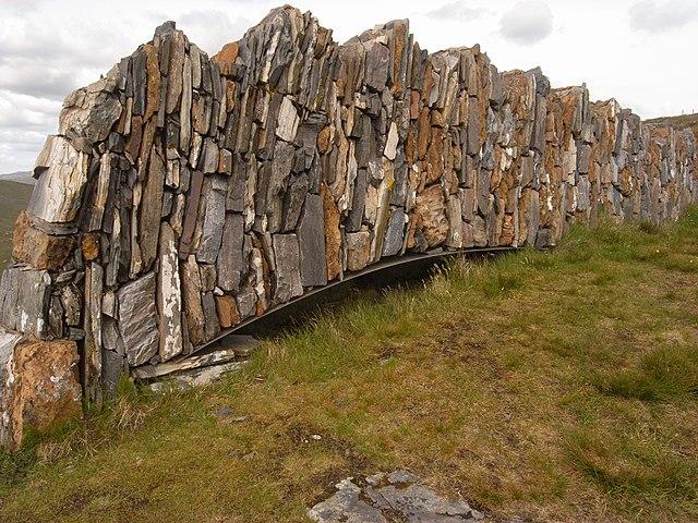 640px sculpture on knockan crag