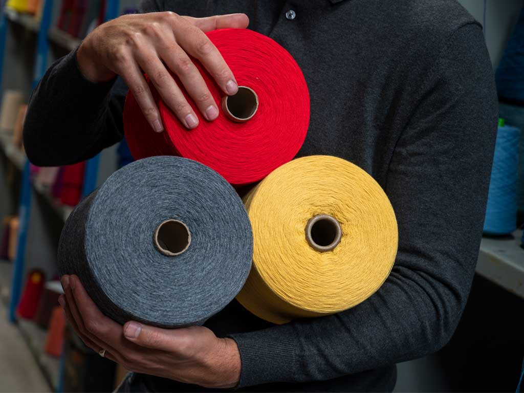 Yarns of colourful cashmere wool for socks and scarves